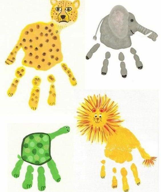 Baby Fussabdruck und Handabdruck mit Fingerfarbe